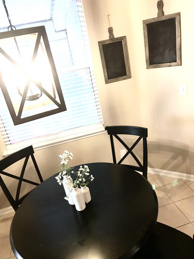farmhouse decor kitchen table