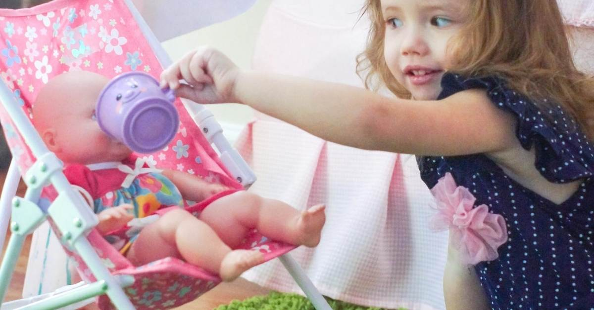 25 Toddler-Inspired Pretend Play Activities