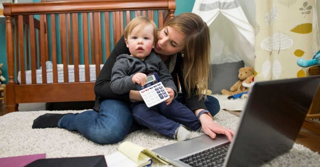 busy working mom with her son practicing time saving tips